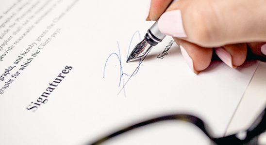 Нотариальное заверение перевода и копий документов.